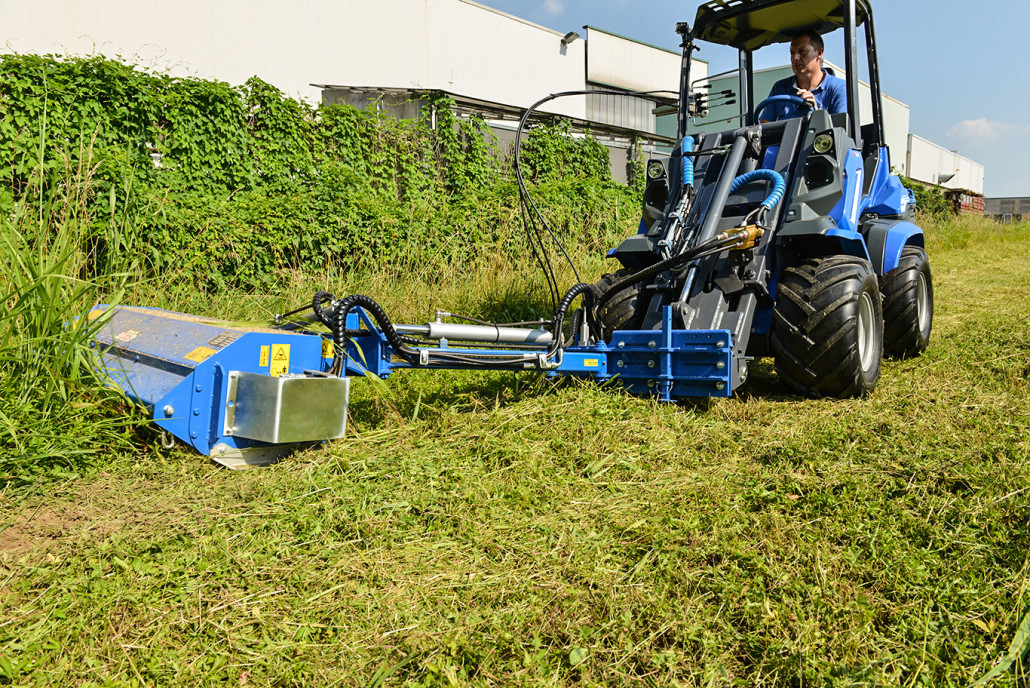 MultiOne-flail-mower-with-side-shift1-1030x688