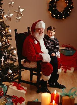 Santa y un niño