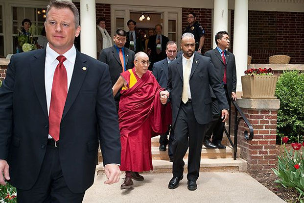 Police Protecting Dalai Lama.jpg