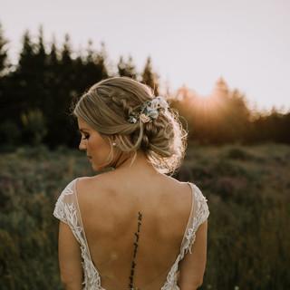 natruralhairoutdoorwedding.jpg