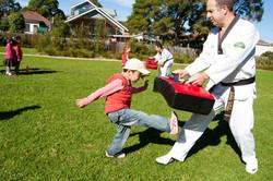 Kid' Fun Kicking Training