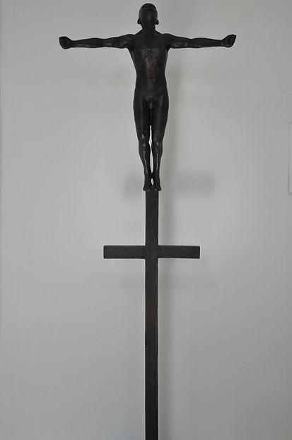Lauge Voigt. 'Doublecross'. Skulptur. Bronze.