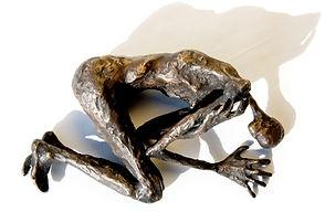 FEAR_–_Bronzesculpture._Bronzeskulptur_2