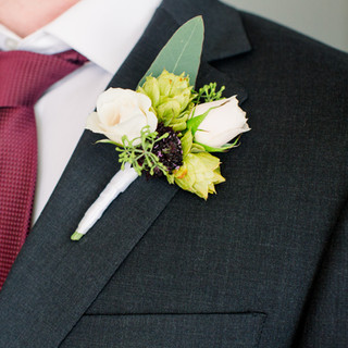 Groom's boutonniere with hops