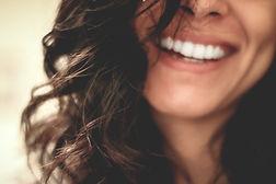 mulher-a-sorrir