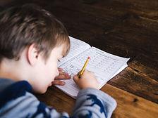 crianca-estudar