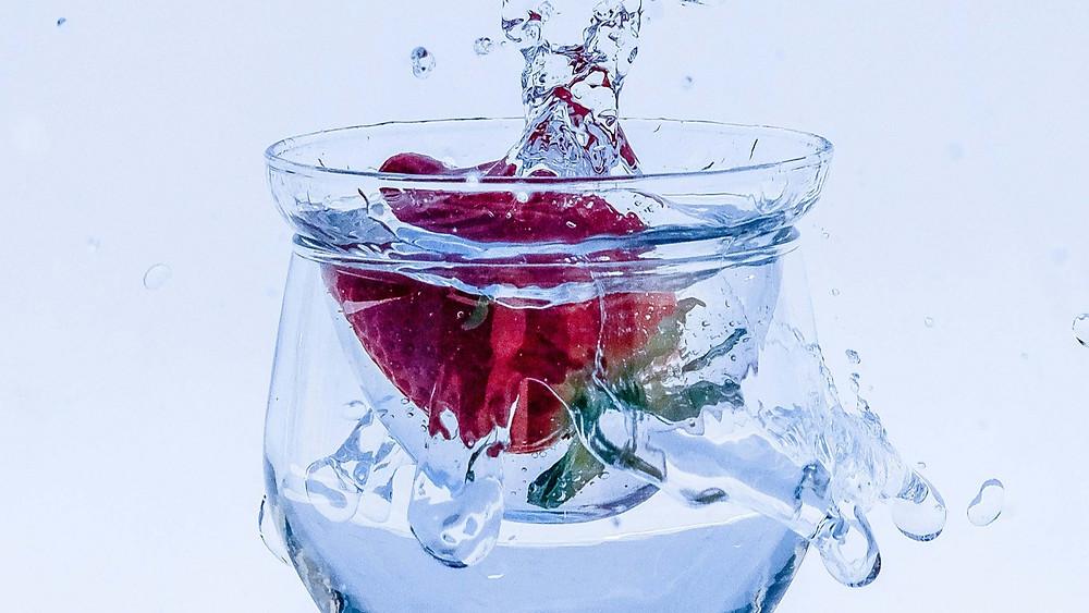 agua aromatizada com morango