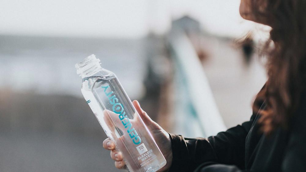 garrafa de agua de vidro
