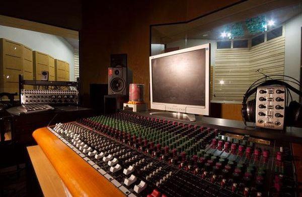 Studio R 01.jpg