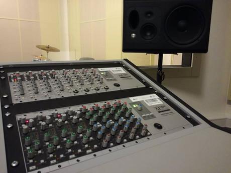 Studio B 03.jpg