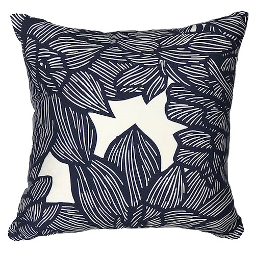 MADDY PILLOW 2 - NAVY ON WHITE