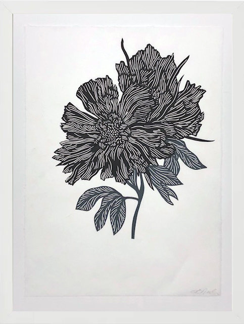 BLACK AND WHITE FLOWER BUNCH