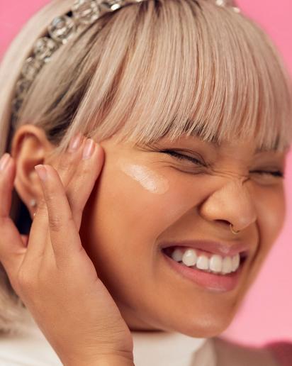 Ocean Navarro X Benefit Cosmetics 2020 POREfessional