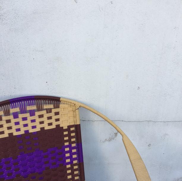 Beige / marron  violet