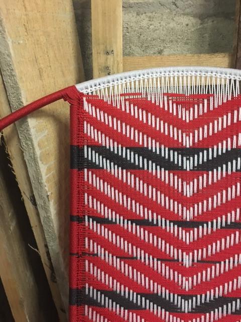 Rouge / blanc / bandes noires