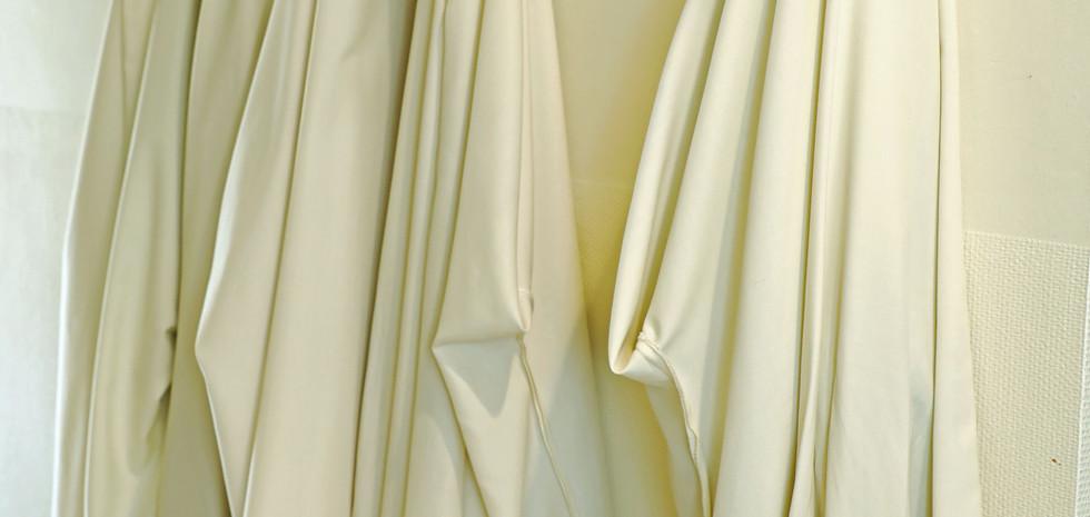 La coule, habit religieux que nous portons pour l'office et l'eucharistie.