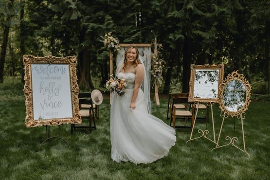 Bride lower Ceremony Area Emily Skye Pho