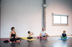 yoga-family-lafriche-© ulrike monso