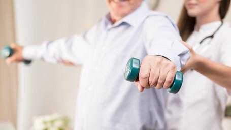Fisioterapia e atividade física para os idosos: segredos da longevidade.