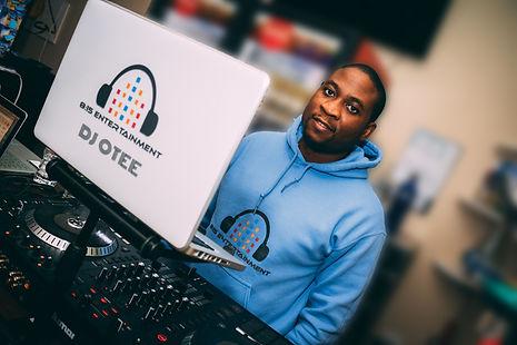 DJ OTEE (10 of 10)- adj.jpg