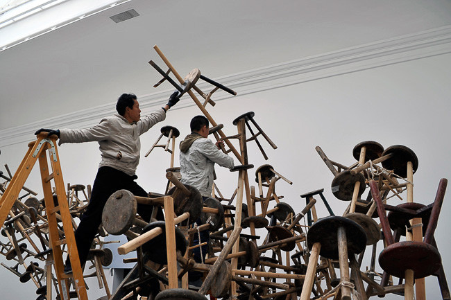 set-up Ai Weiwei installation/8