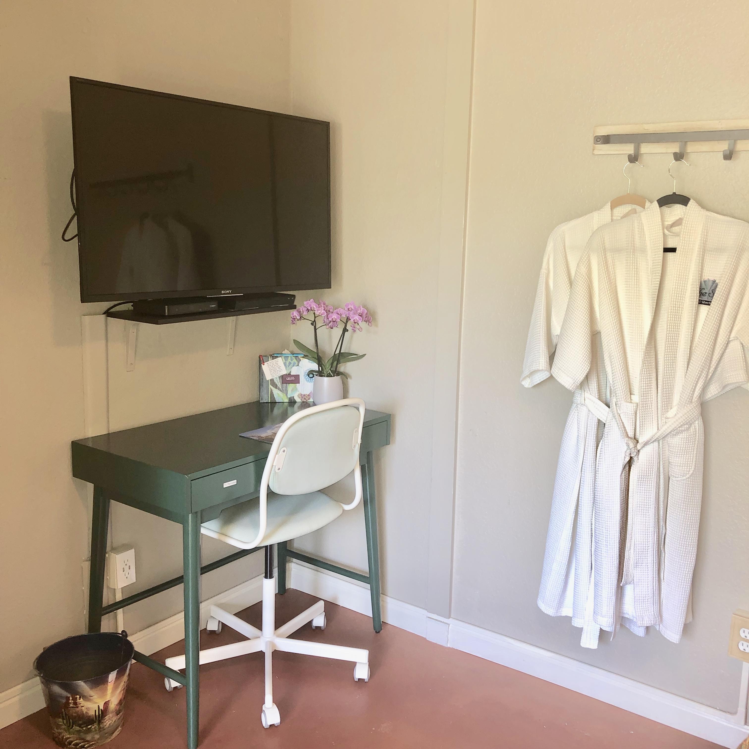 Bedroom 2 Desk & TV 2019 copy