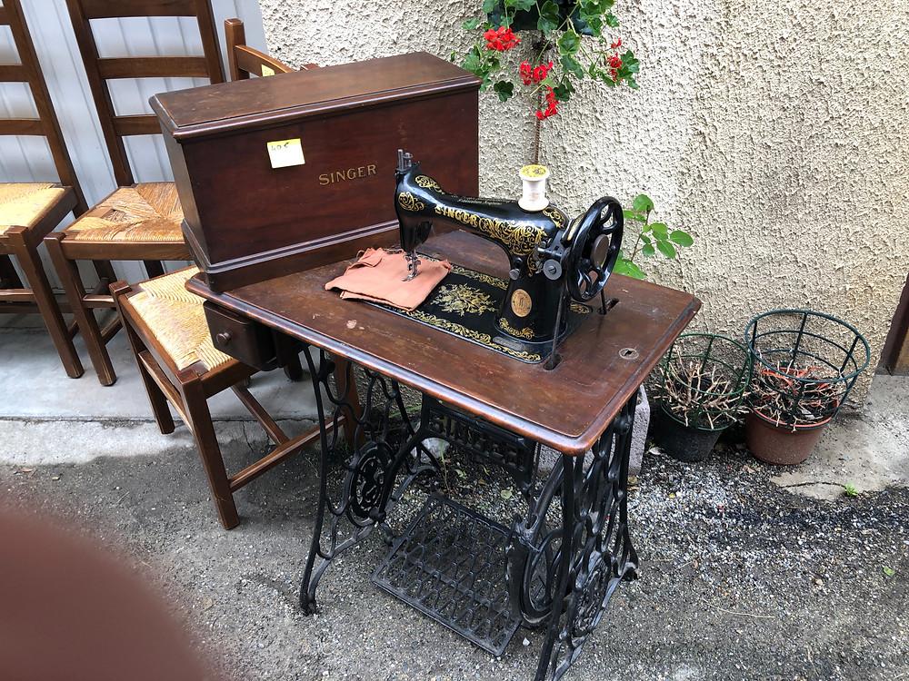 Sewing, old machine, Nazlen, France, flea markets,