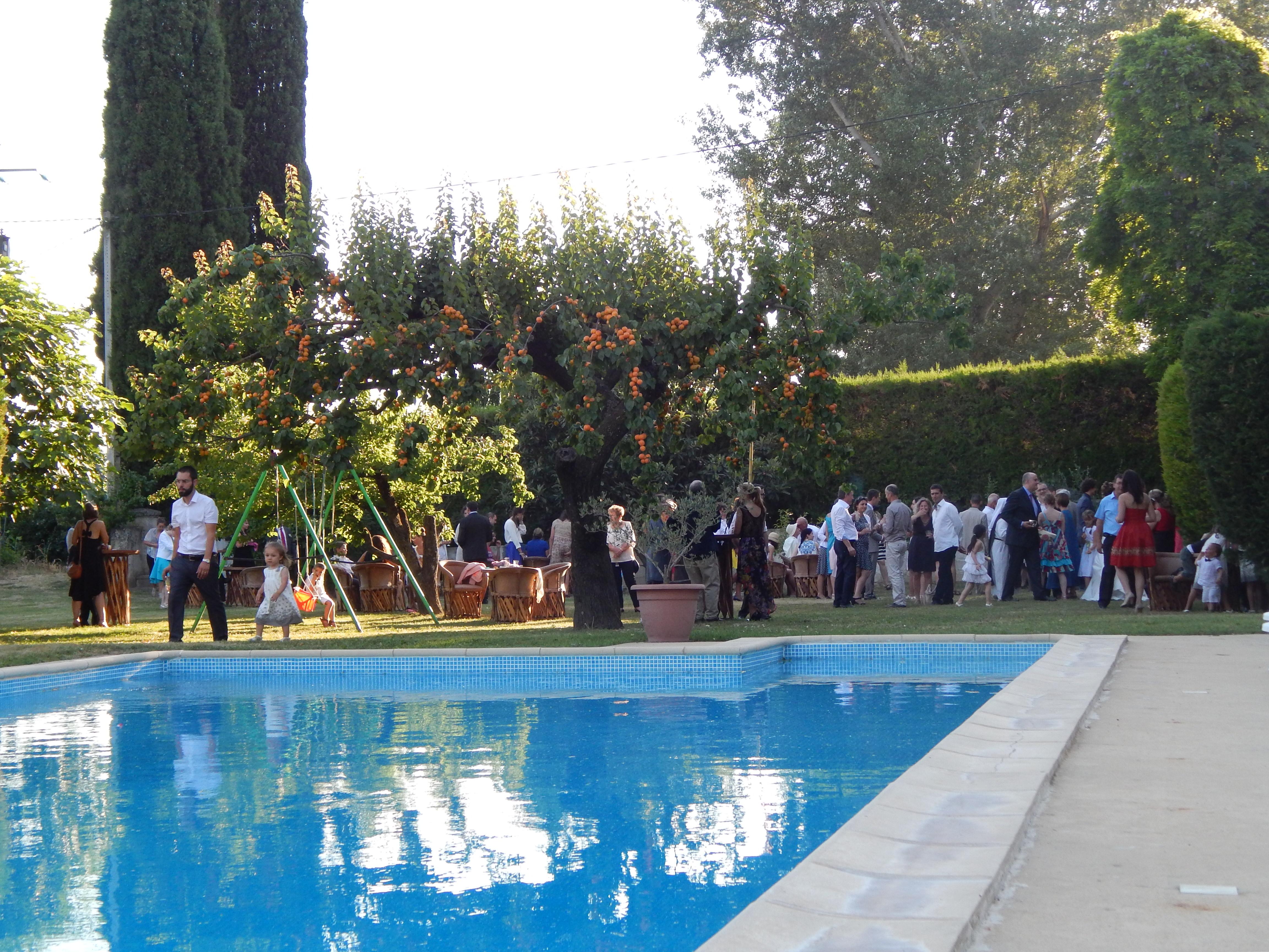 Aperitif piscine.JPG