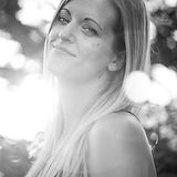 Lilith marlene munck designer, leiter, CEO, grafik design, motion to design, animator, video editor, web designer