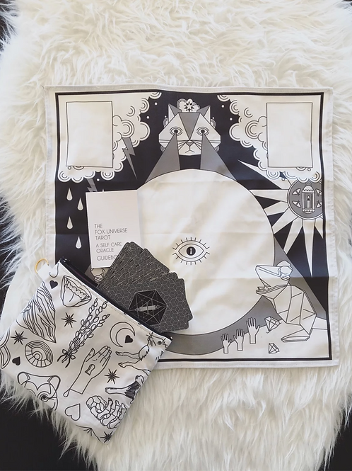 The Fox Tarot: Cat Mat Tarot Cloth 🇨🇦