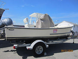 18' Eastern Center Console 2013