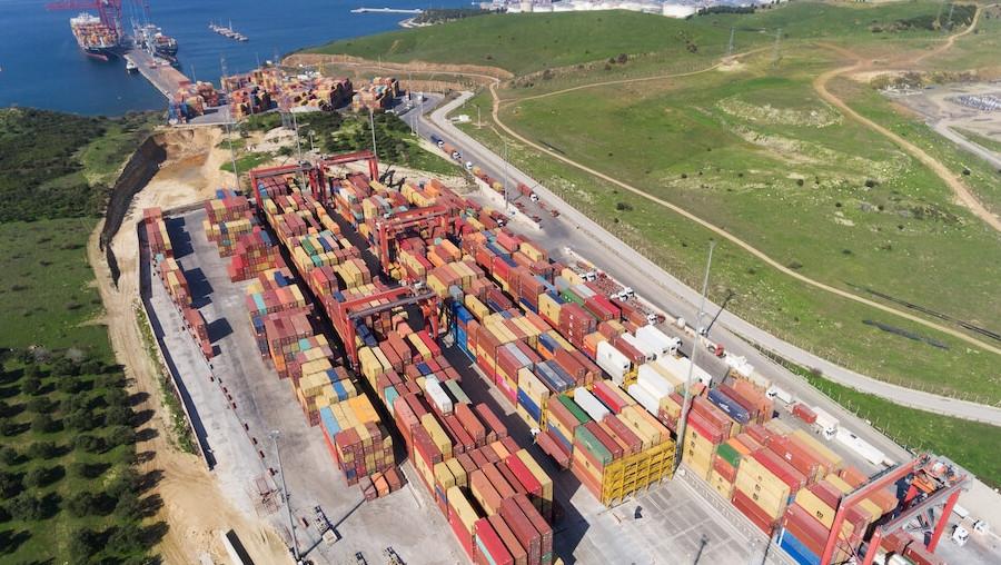 nemport-terminal-hizmetler-konteyner-04.jpg