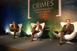 Crimes Eletrônicos - Fecomércio