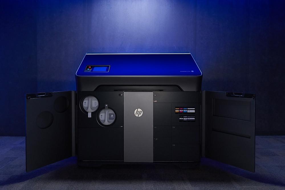 Полноцветная 3д-печать от Jet Fusion 300/500