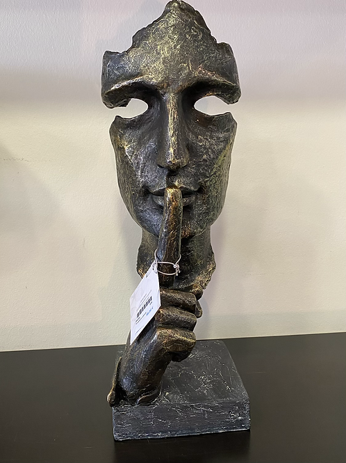 Statue silence