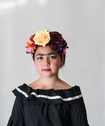 Woman in Friday Kahlo costume