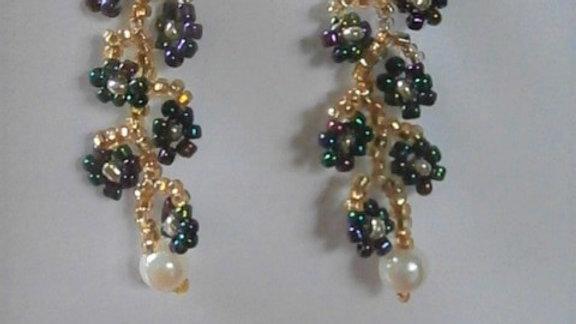 Daisy Vine Gold Earrings