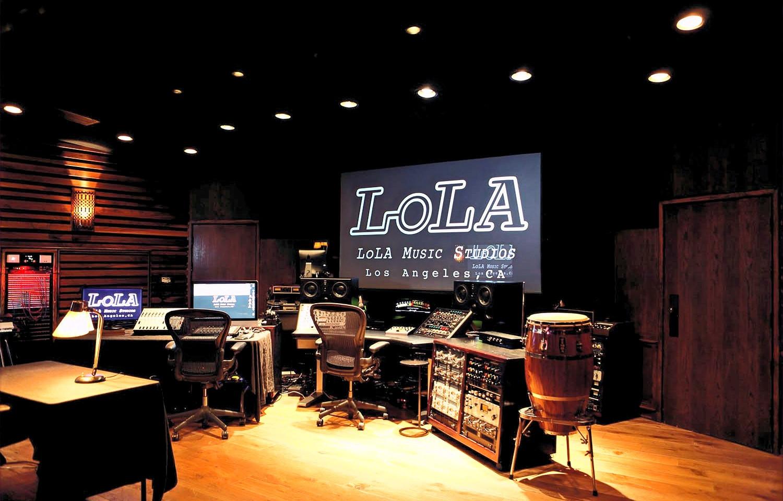 LOLA_STUDIOA_wide