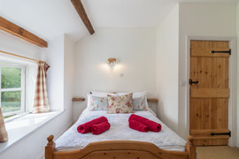 Pond Cottage-5.jpg