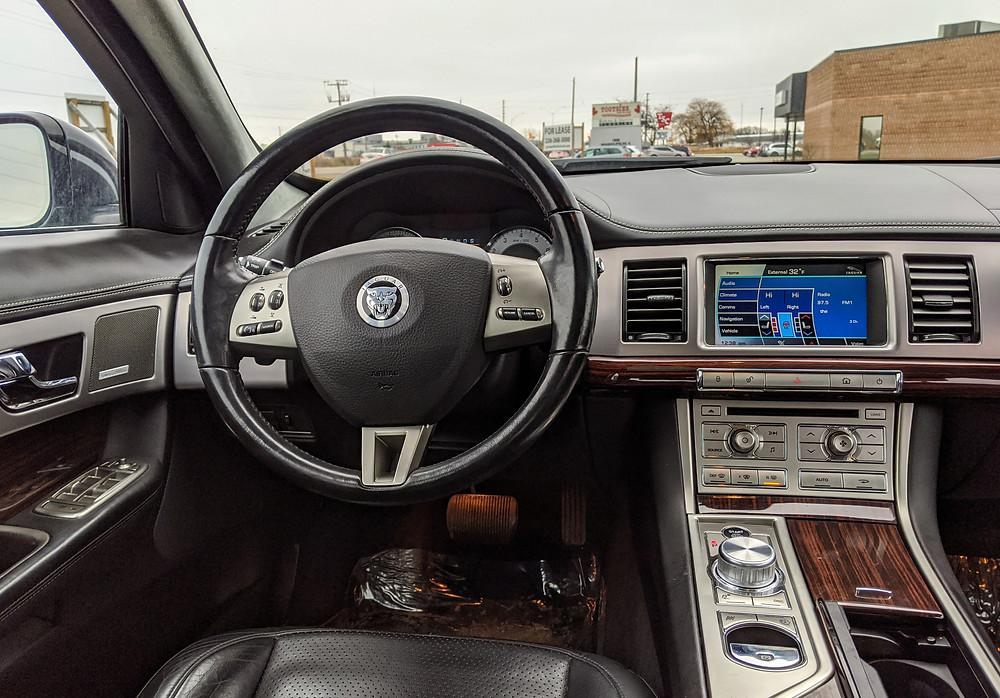 Jaguar XF 2011 Supercharged Interior