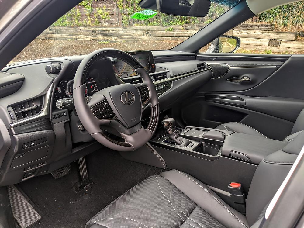 Lexus ES Cabin Interior