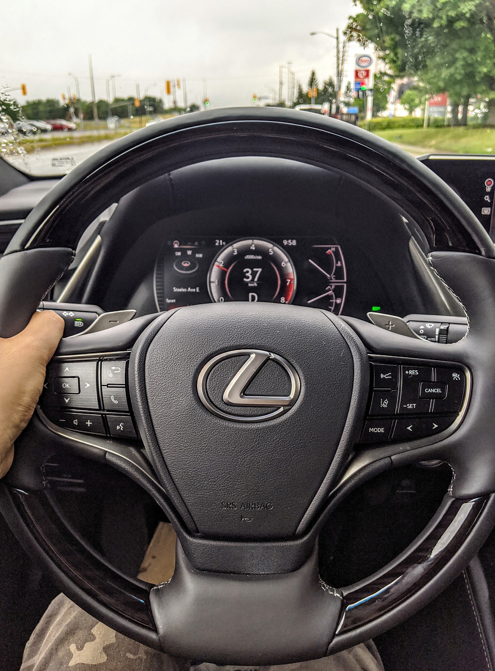 2020 Lexus ES 350 Steering Wheel POV