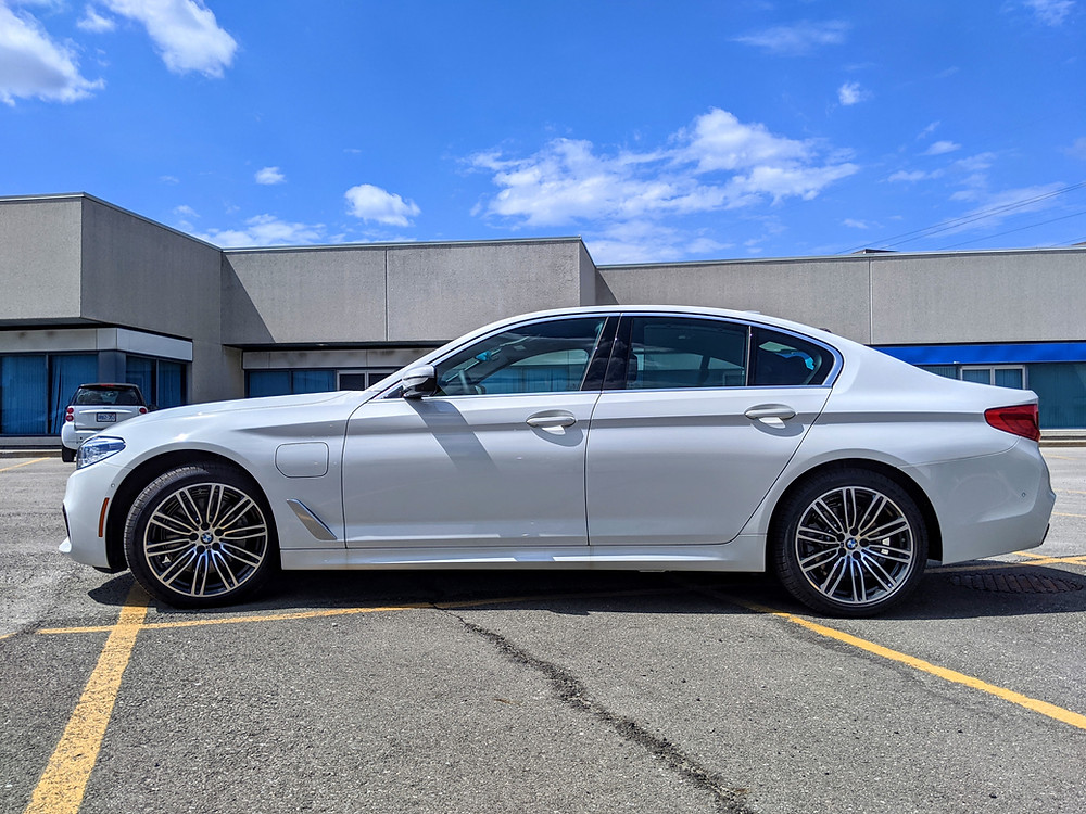 BMW 530e M Sport Side Profile