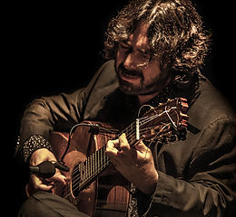 JUAN REQUENA CON Producciones de Flamenco Sampedro