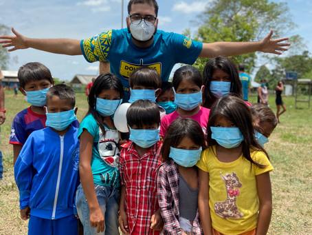 Doação de óculos na Amazônia
