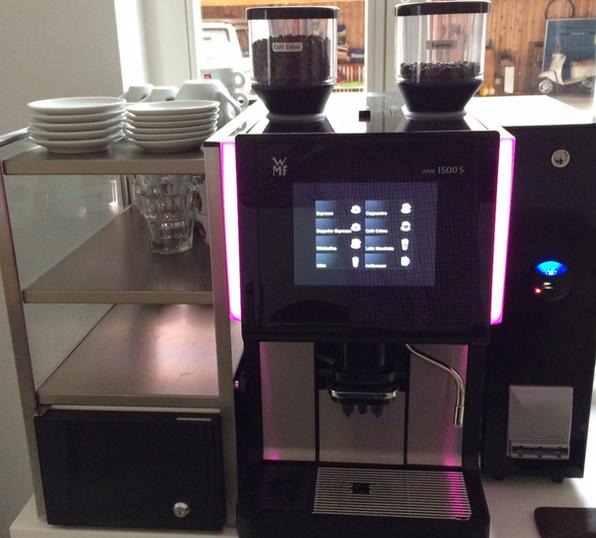 WMF 1500s mit Cup&Cool und Abrechnunssystem