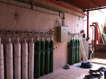 Installed OxyFlow manifold system for medical gases