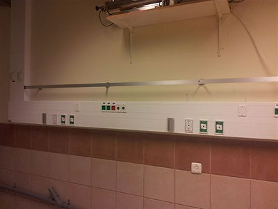 Bedhead supply unit for medical gases