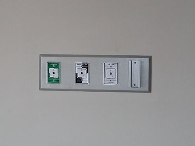 Gas outlet box - oxygen, medical air, and vacuum