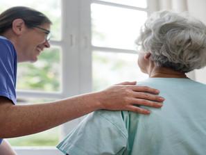 La ponction lombaire sur les seniors : l'hypnose une solution contre l'anxiété et la douleur ?